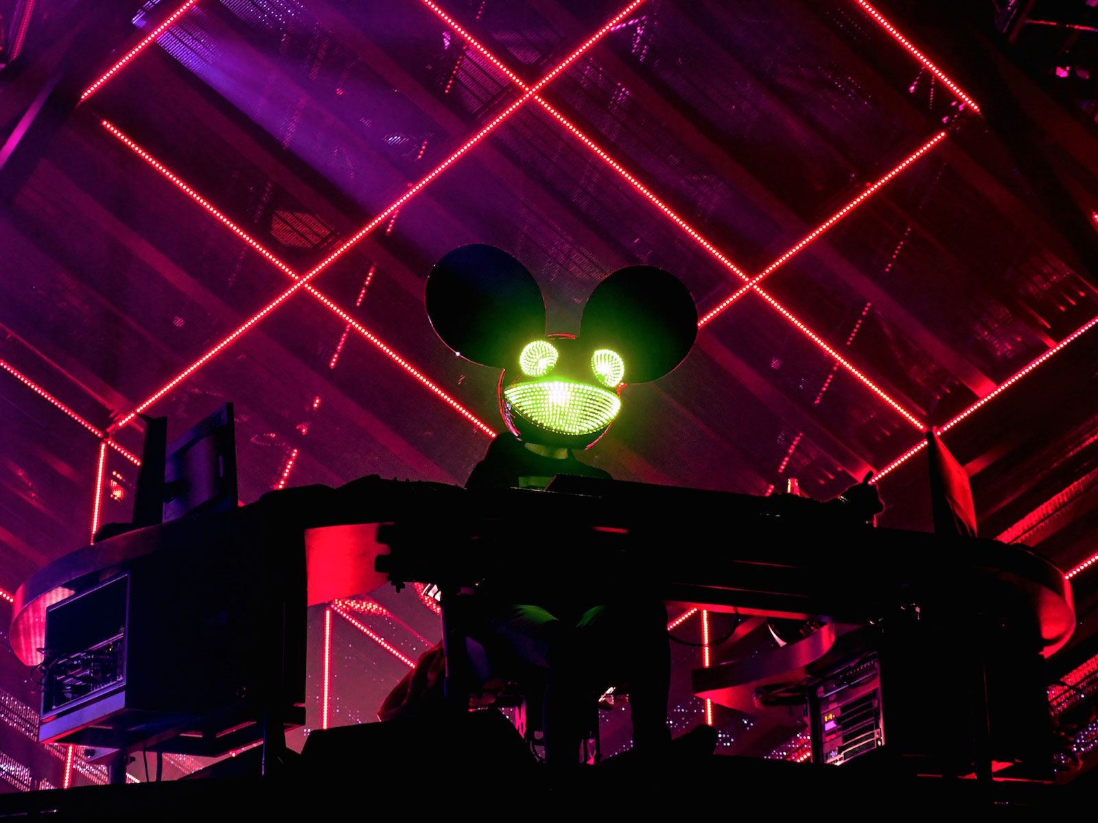 deadmau5-2020-oz-edm-feature
